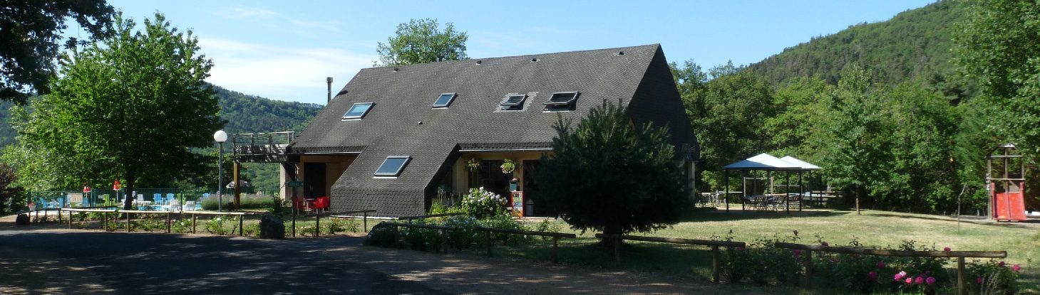 Camping in Auvergne Reception building