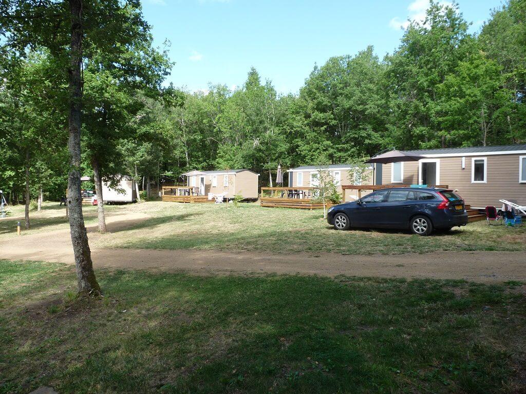 Mobile homes op een camping veld